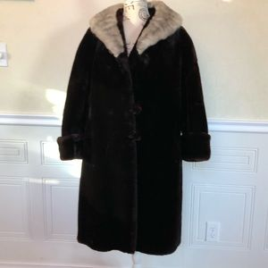 Price Drop 🎀 Vintage 60's Faux Fur Custom Coat
